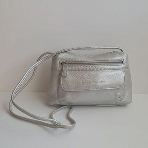 Stone Mountain silver leather shulder bag .